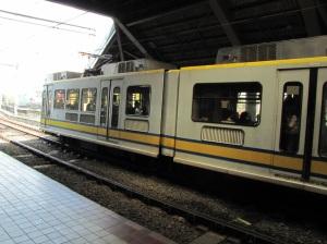 manila-lrt train-2013