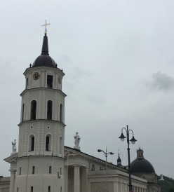 32 vilnius-cathedral and three crosses