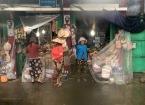 vn-the railway women shut up shop